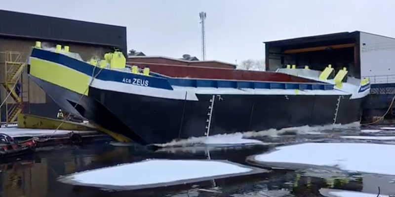 livett's barge zeus thames tideway tunnel launched bennett's barges