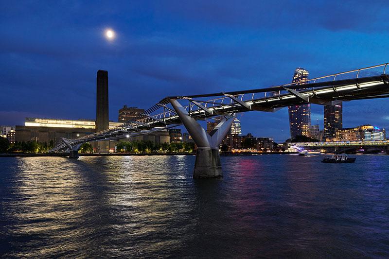 illuminated river millennium bridge