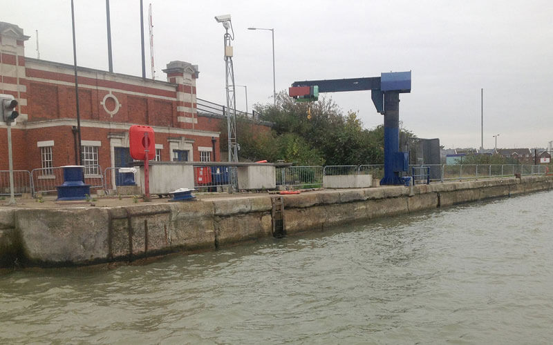 royal docks bascule bridge berth