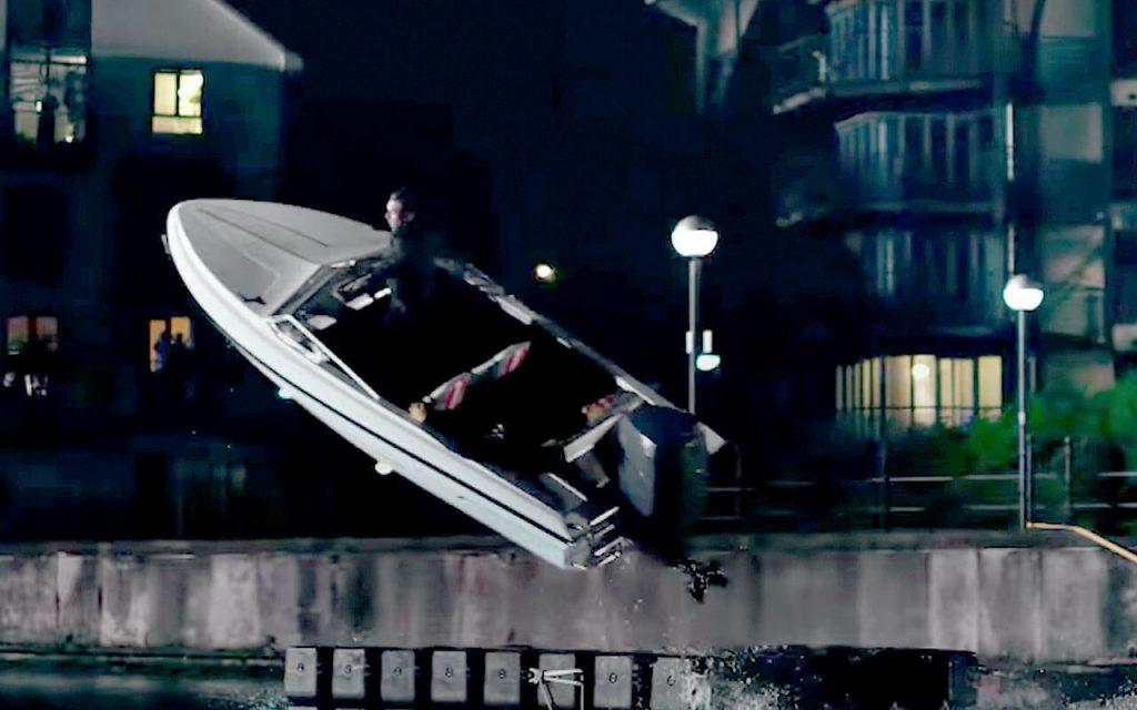 lucky man speedboat thames stunt