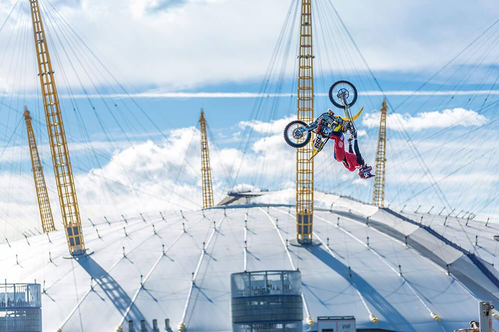 travis pastrana nitro circus river thames flip stunt